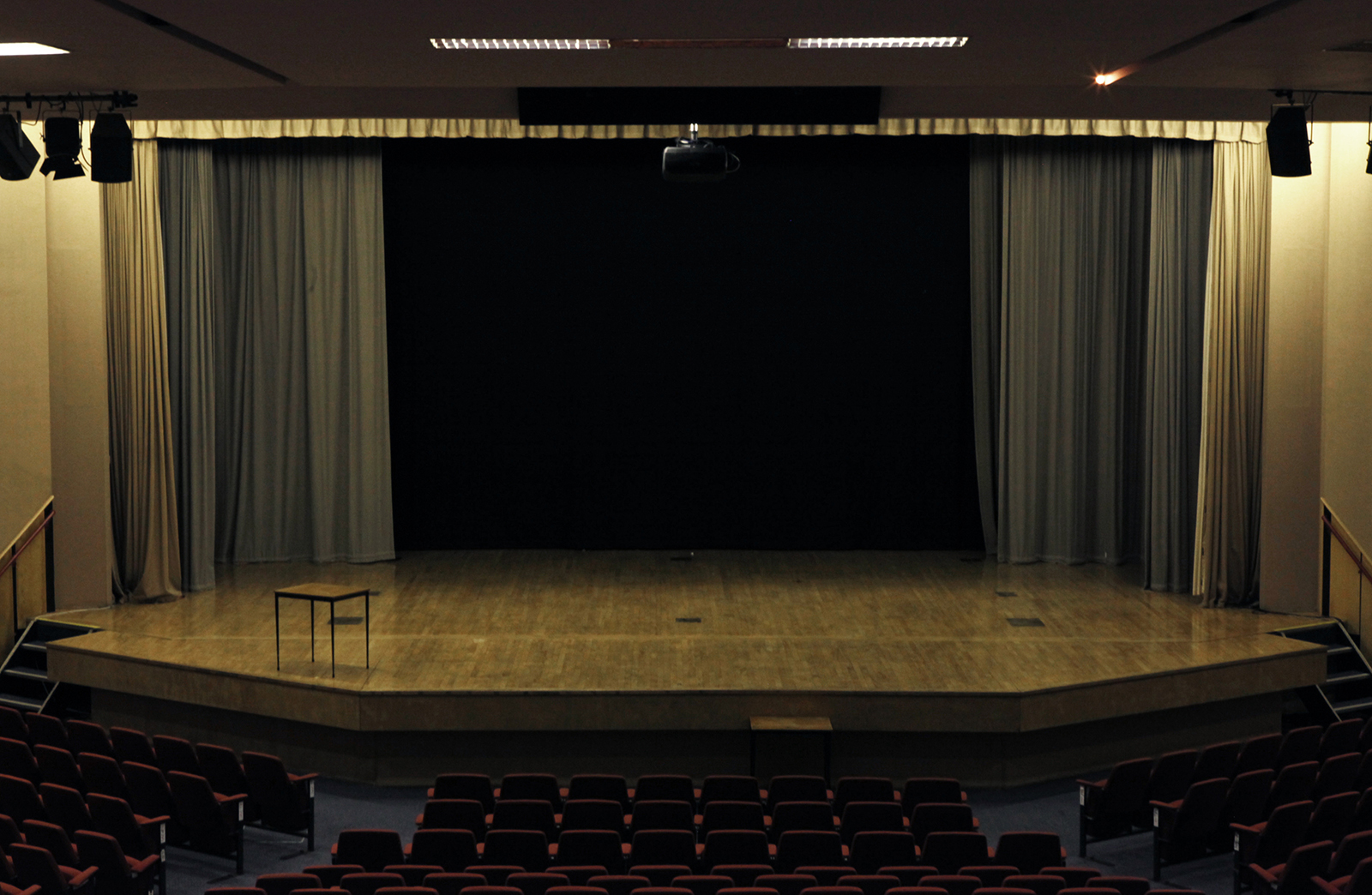 lecturetheatreAFP